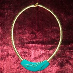 "Vintage goldtone and green 16"" choker"